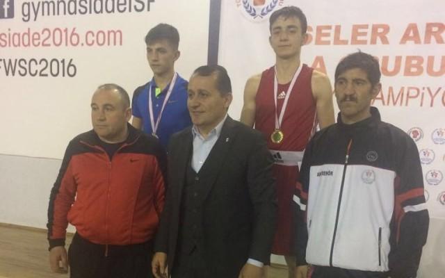 Erzurumlu sporcunun boksta büyük başarısı