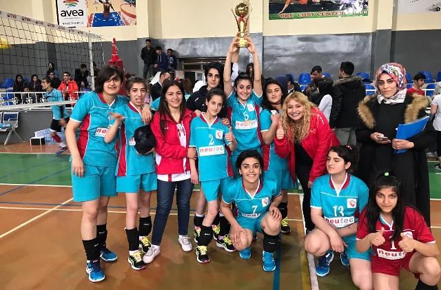 ASP voleybol takımı birinci oldu