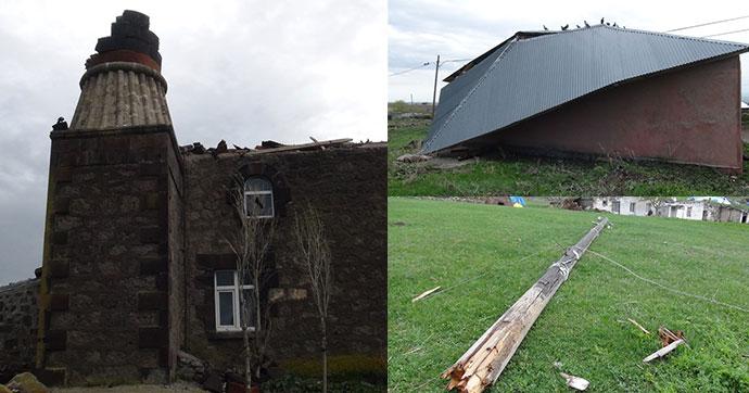 Şiddetli fırtına minareyi yıktı, çatıları uçurdu