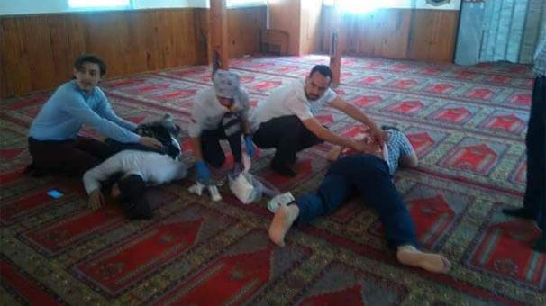 İstanbul'da camide dehşet anları