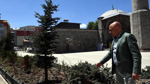 Korkut: Muratpaşa Kent Meydanı tamam