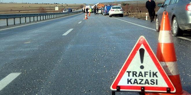 Erzincan'da motosiklet ile minibüs çarpıştı