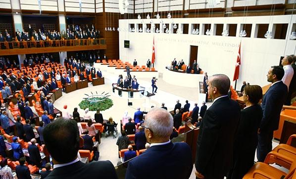 Meclis'te tarihi oturum yapıldı