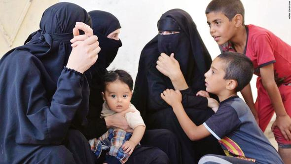 CNN IŞİD'den kaçan kadınlarla konuştu