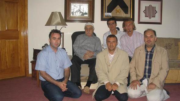 Gülen'li fotoğraf için açıklama yaptı...