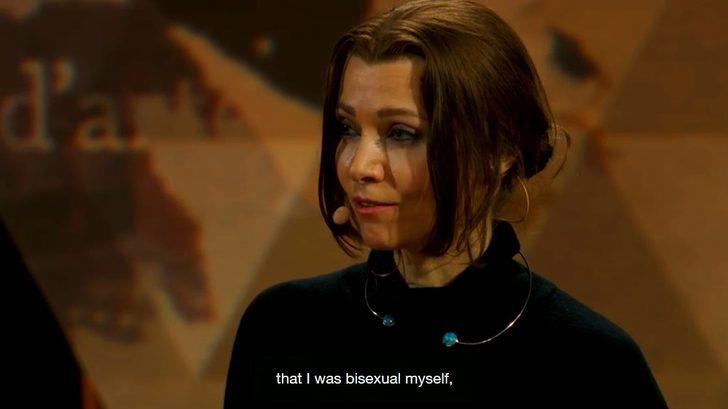 Elif Şafak'ın biseksüel açıklaması sosyal medyada da gündem oldu