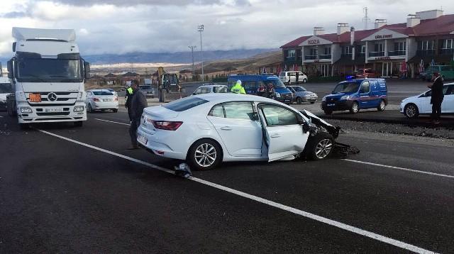 Uzman çavuş kaza yaptı: 1 ölü 2 yaralı