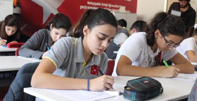 Sınav sistemi değişti, 100 milyon kitap elde kaldı