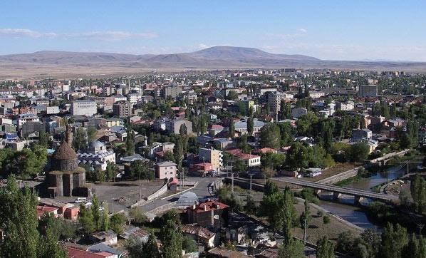 İpekyolu'nun merkez istasyonu: Kars