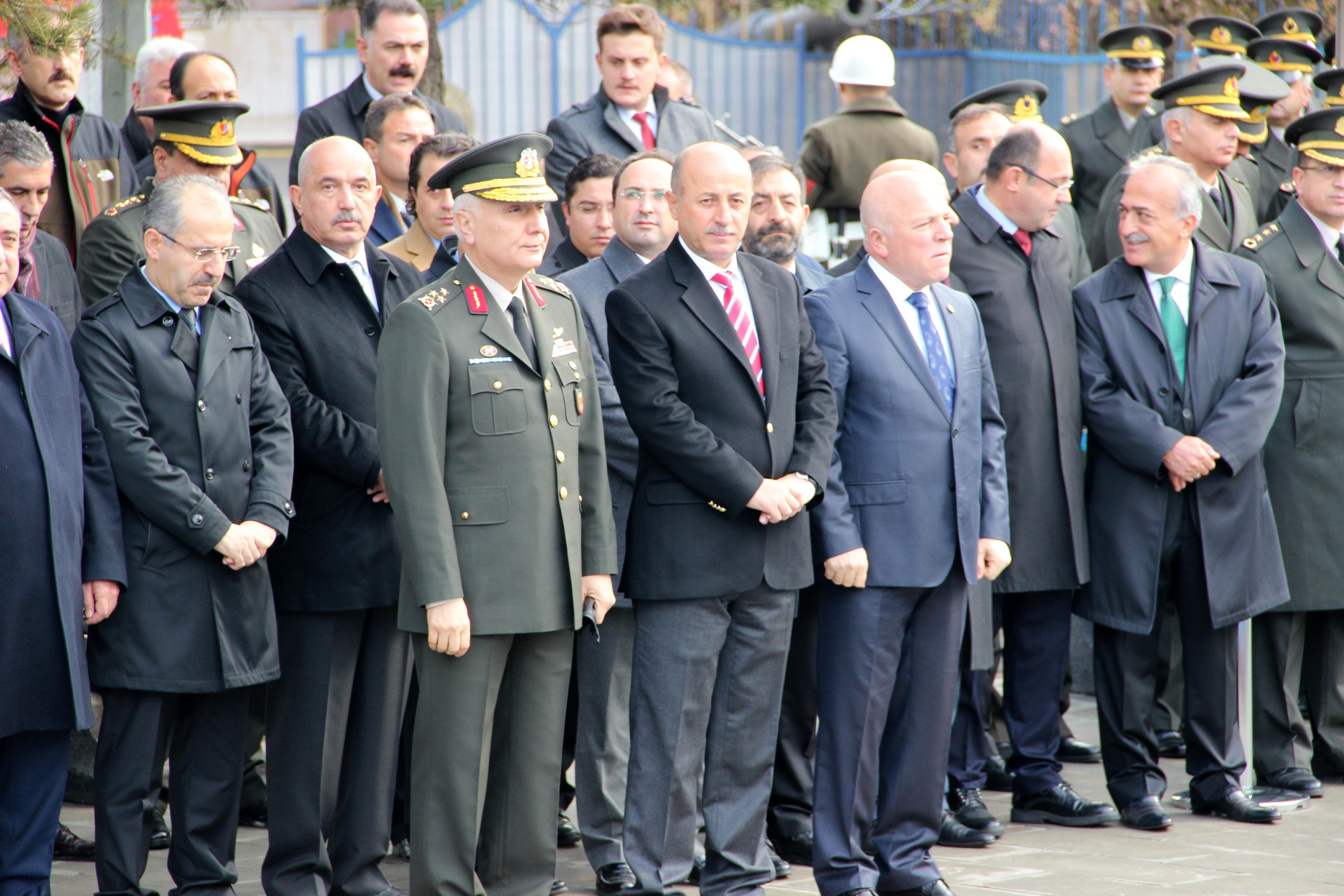 Erzurum'da 10 Kasım töreni