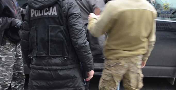 Polonya'da ölüleri çalan zanlı yakalandı