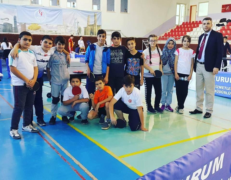 Masa tenisinde Atatürk Kupası için yarıştılar