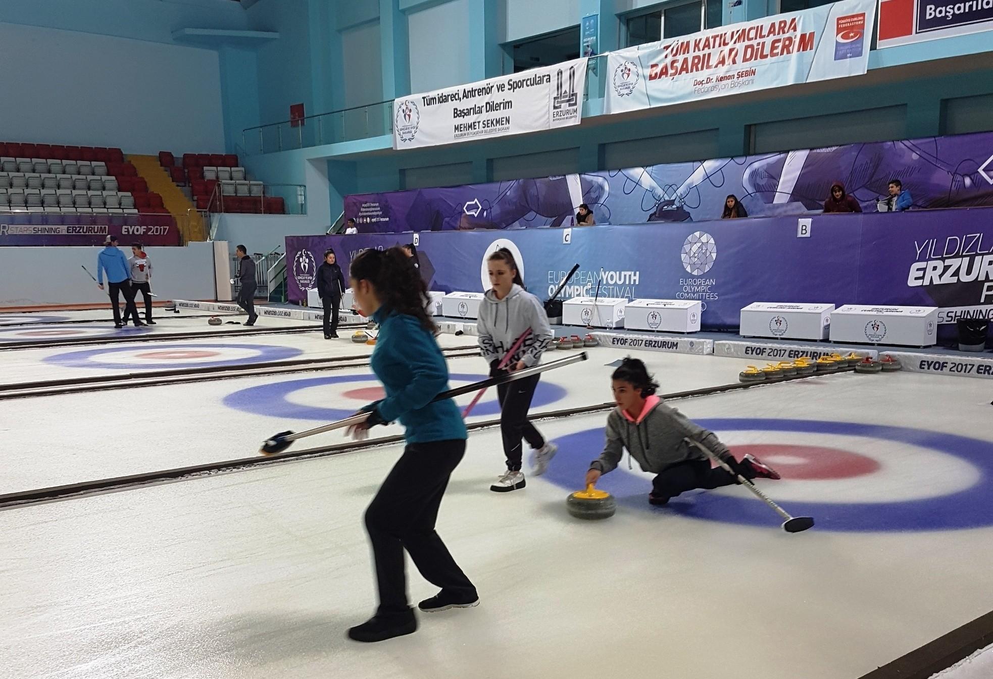 10 Kasım Curling Kupası sahiplerini buldu