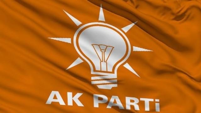 AK Parti'de 3 il başkanı istifa etti