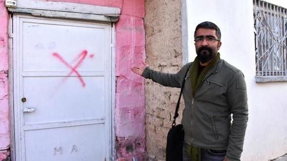 Alevilerin evlerine kırmızı boyayla çarpı işareti