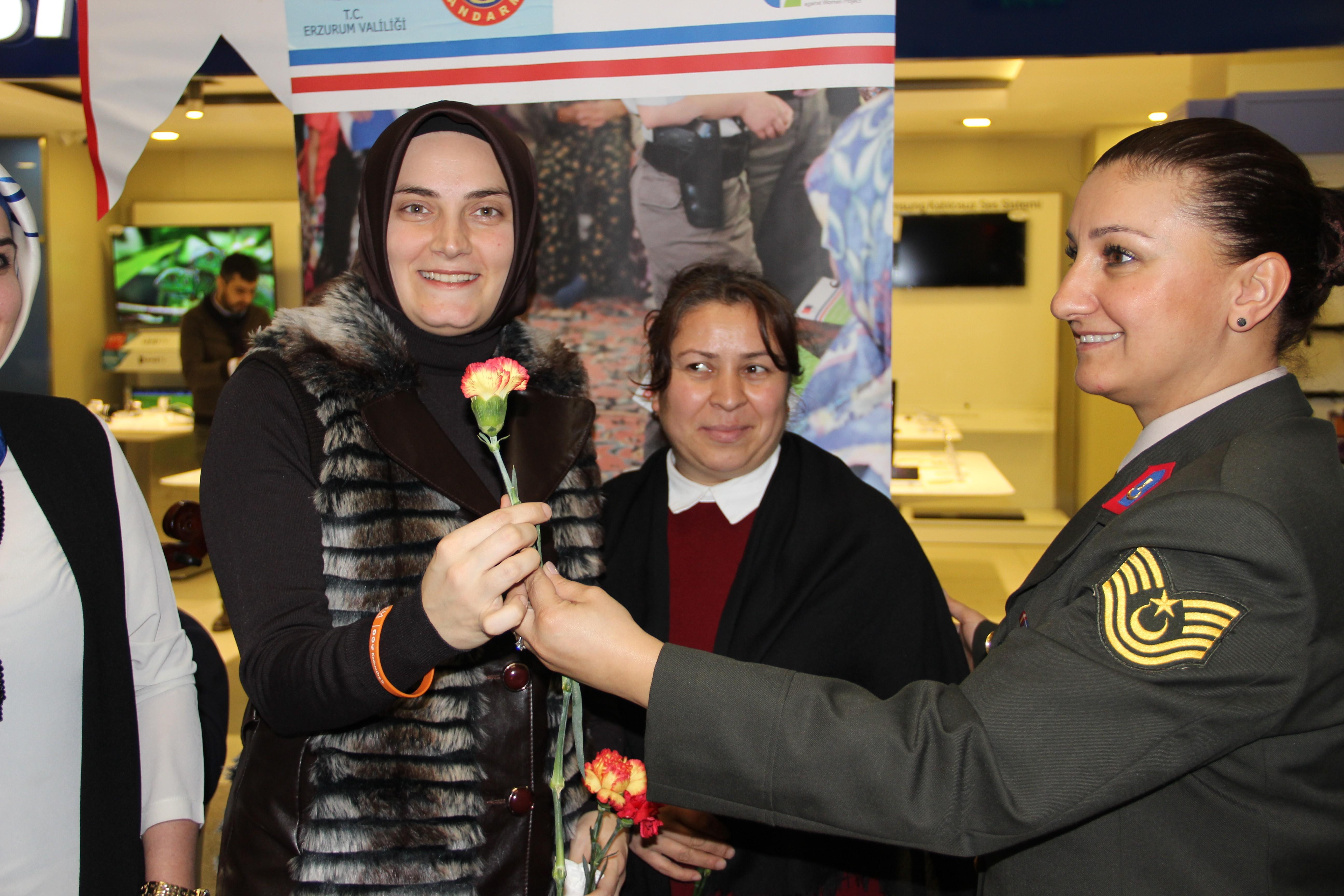 Erzurum'da Kadına Yönelik Şiddete Karşı Uluslararası Mücadele Günü etkinlikleri
