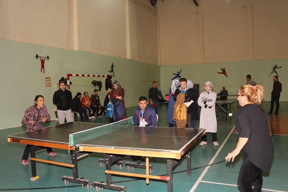 Öğretmenler Masa Tenisinde Yarıştı
