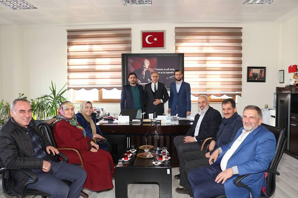Ak Parti Oltu ilçe yönetimi, Öğretmenler gününü kutladı