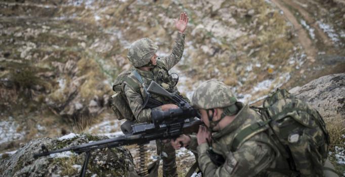 Mehmetçik, Gabar Dağı'nda teröristlere göz açtırmıyor