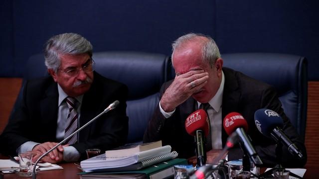 AK Partili vekil Orhan Miroğlu gözyaşlarını tutamadı