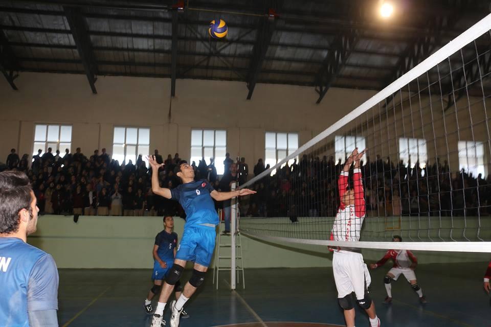 Filenin Şampiyonu Anadolu Lisesi