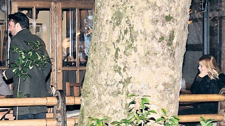 Ezgi Sertel'in eşi Ozan Çobanoğlu flaşlar patlayınca mutfağa kaçtı