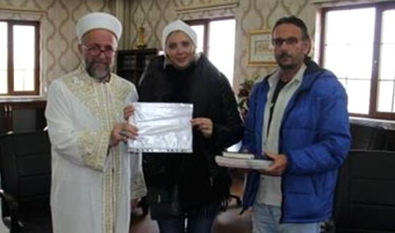 Ukrayna ve Gürcistan Uyruklu İki Kadın Müslüman Oldu