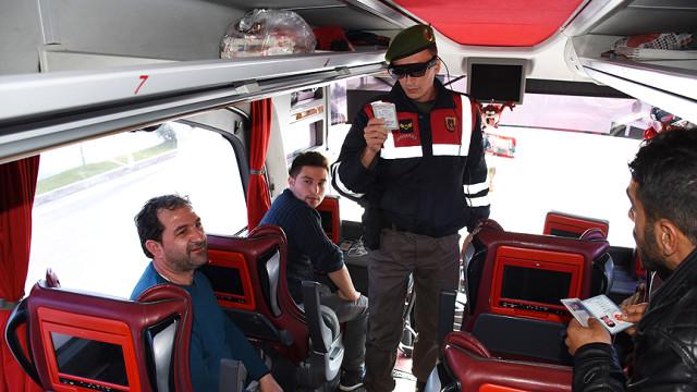 Jandarmanın Yüz Tanıyan Akıllı Gözlüğü TAKBUL'a Dünya Talip