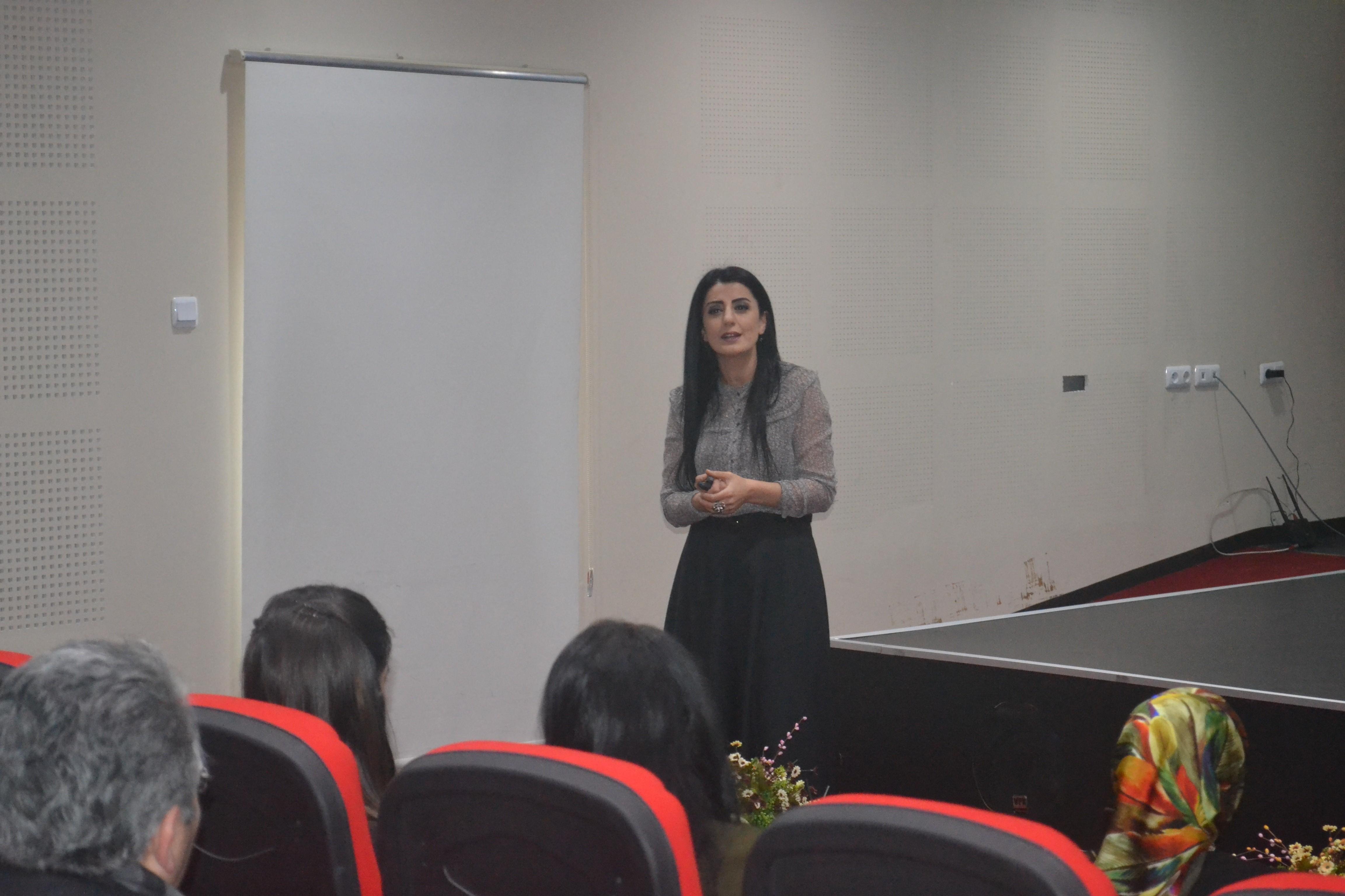 ''Adım Adım Aile Olmak ve Sürdürülebilir Evlilik'' semineri