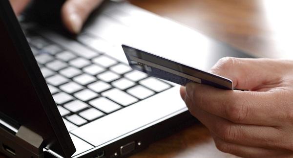 Kredi kartı ile online alışveriş yapanlar dikkat