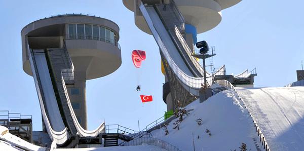 Kayakla Atlama Kuleleri Taşıma Karla Atlayışa Hazırlandı