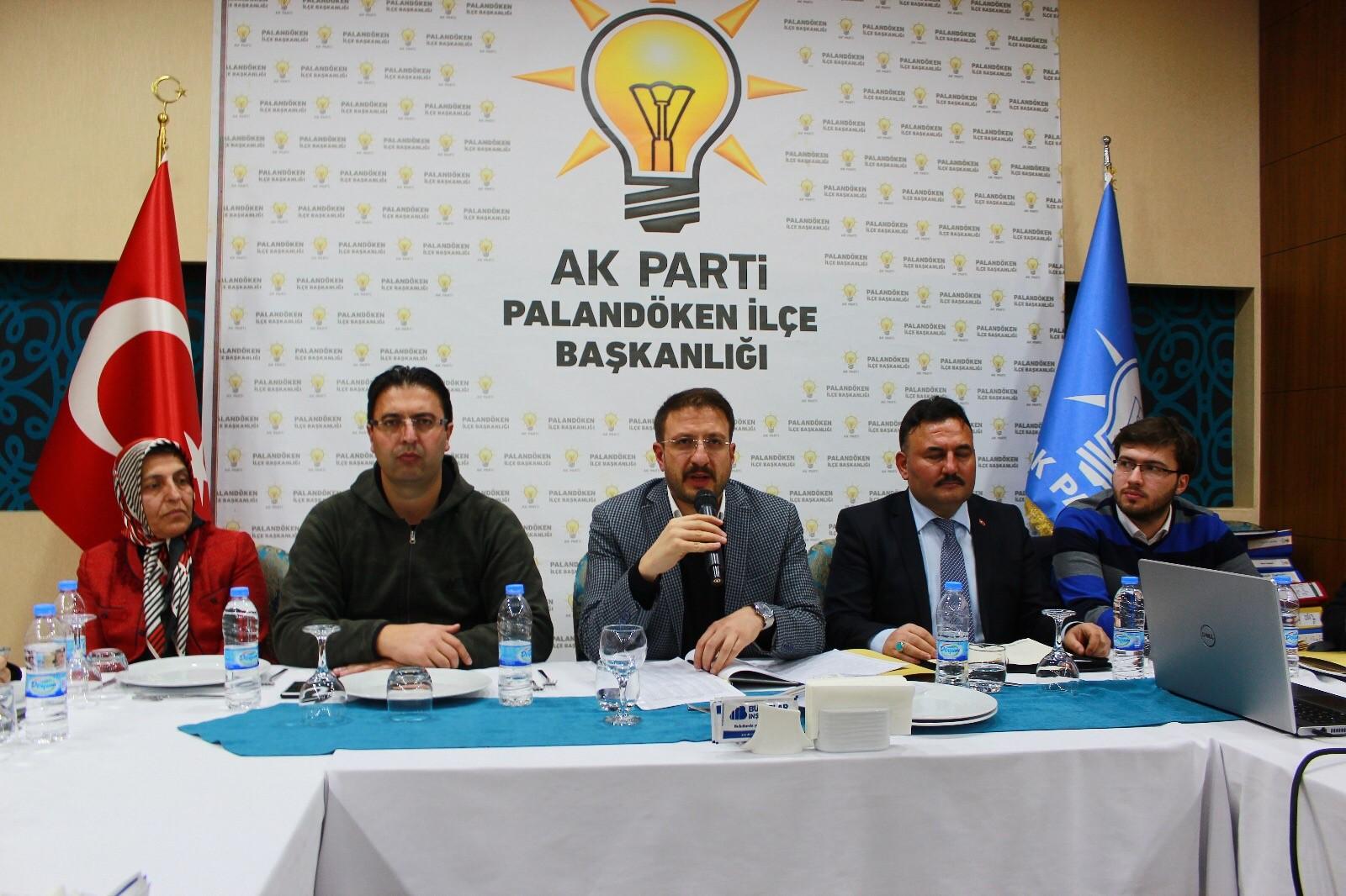 AK Parti Palandöken İlçe Başkanlığı basın ile buluştu