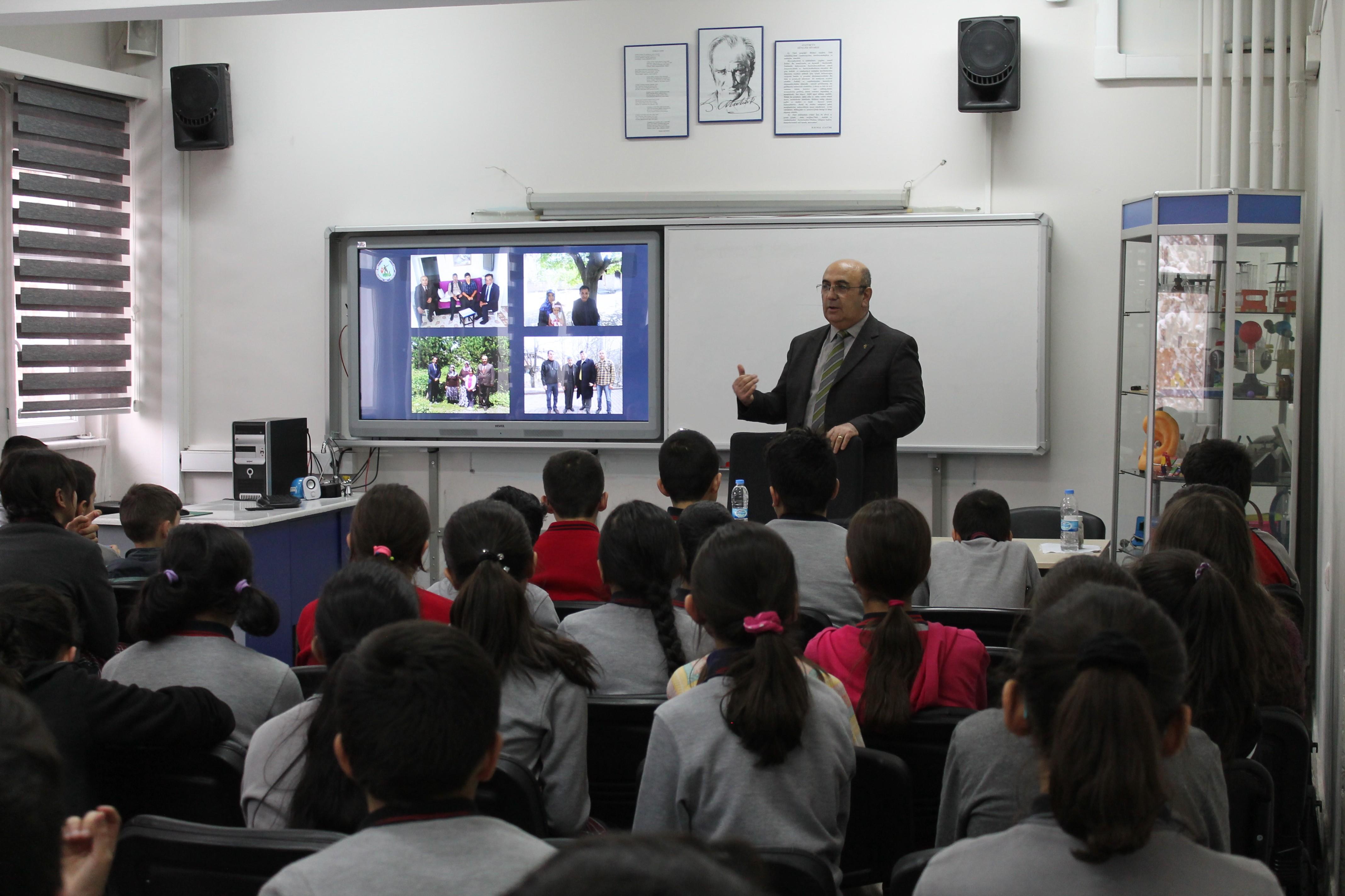 Gazi Ahmet Muhtar Paşa Ortaokulu öğrencilerine Mehmetçik Vakfı'nı anlattı