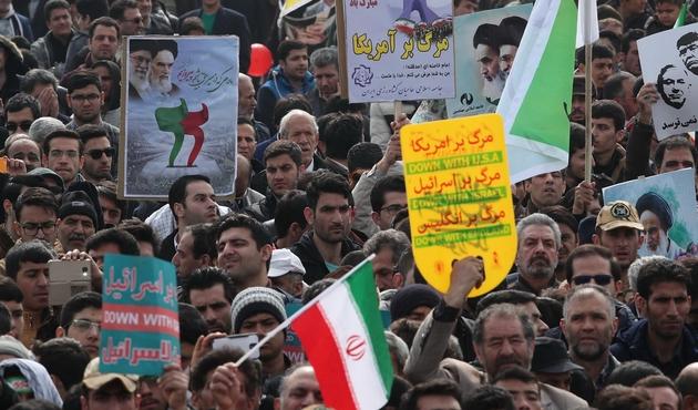 İran'da neler oluyor? Son durum çok kötü! Sosyal medyada olay kareler!