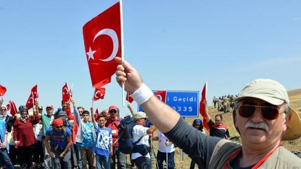 Şehitlere saygı yürüyüşüne katılmayan Prof. Dr. Sönmez: Kalbim kırık