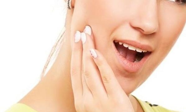 Gece başlayan diş ağrıları travma sebebi oluyor!