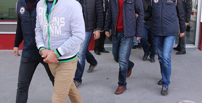 """FETÖ üyelerine """"askeri mülakatta açık renk giyin"""" talimatı"""