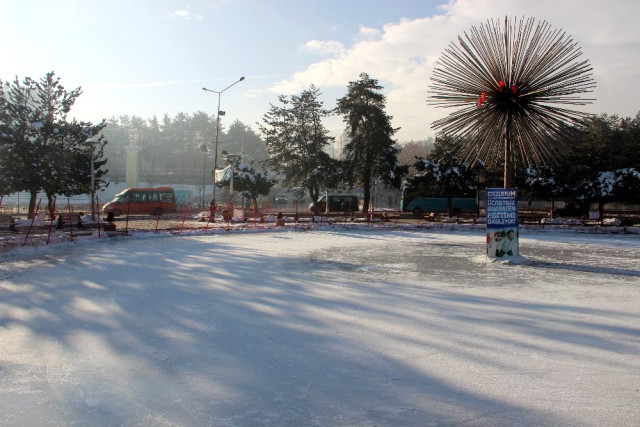 Doğu Buz Tuttu