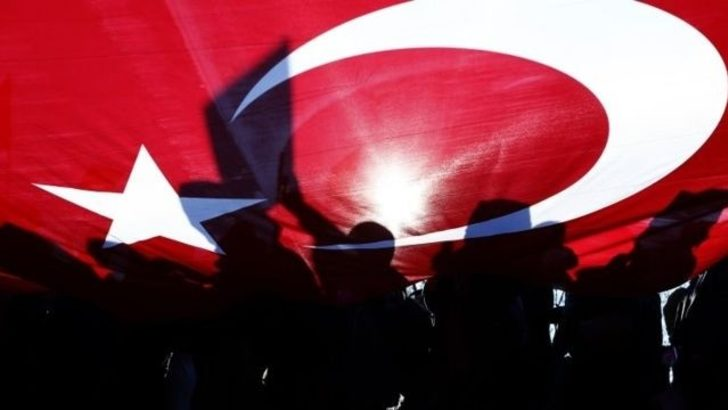 Economist: Türkiye'de Diyanet siyasi İslam'a teslim oluyor