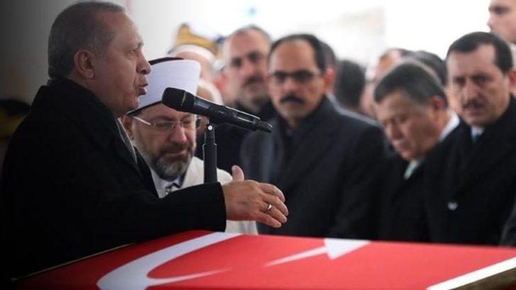 Doğu Perinçek: Cumhurbaşkanı imam değildir, camide reklam olmaz