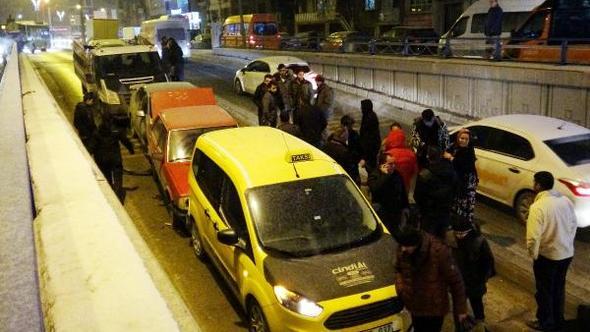 Erzurum'da alt geçitte zincirleme kaza