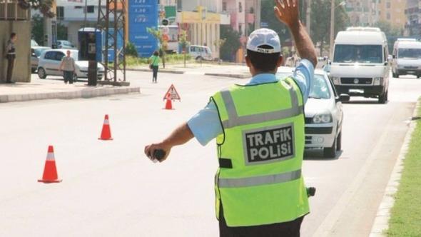 3 bin trafik polisi sokağa çıkıyor