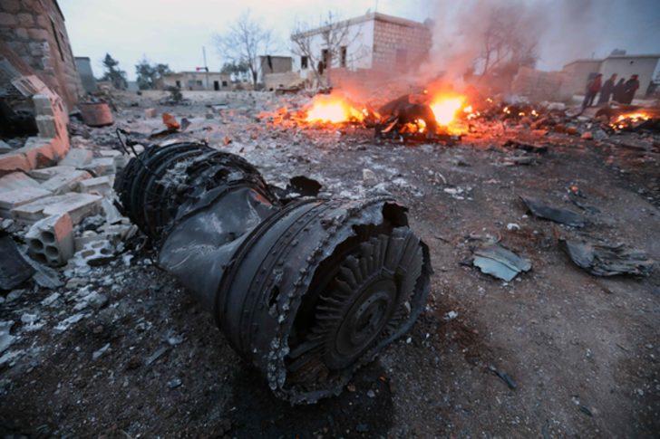 Suriyeli muhalifler Rus uçağını düşürdü