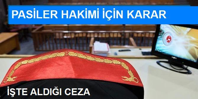 Kuran'a El Bastırıp, Soruları Veren Fetö'cü Hakime 7.5 Yıl