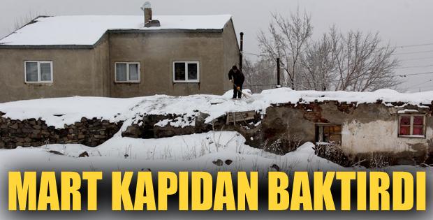 Erzurum'da Mart Kapıdan Baktırdı,