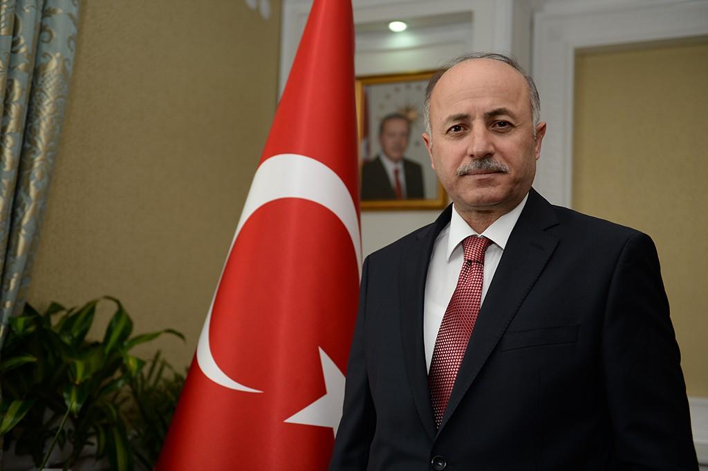 """Vali Azizioğlu: """"14 Mart Tıp Bayramı kutlu olsun"""""""