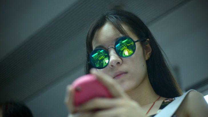 Cep telefonuna 20 saat bakan kadın ölüm tehlikesi atlattı