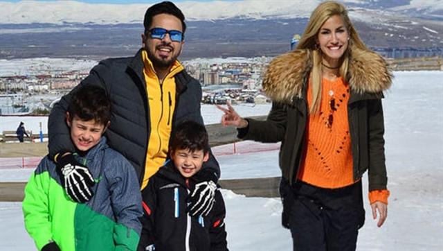 Erzurum'dayken Çağla Şıkel'in evine hırsız girdi!