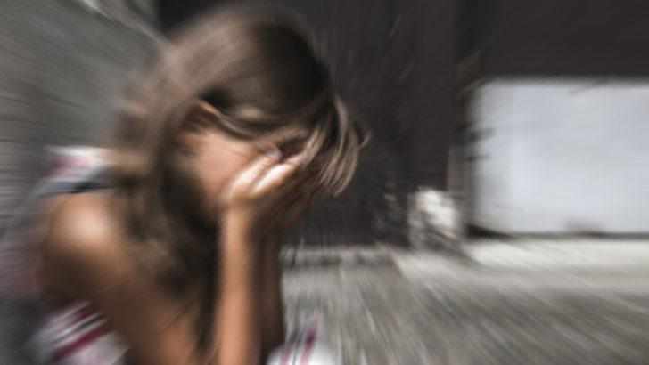 Sokak ortasında liseli genç kıza taciz!