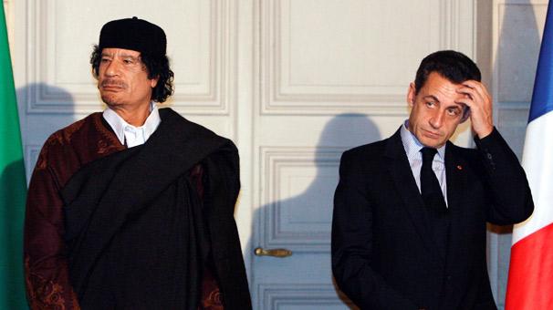 Sarkozy gözaltında! Dünya çalkalanıyor...